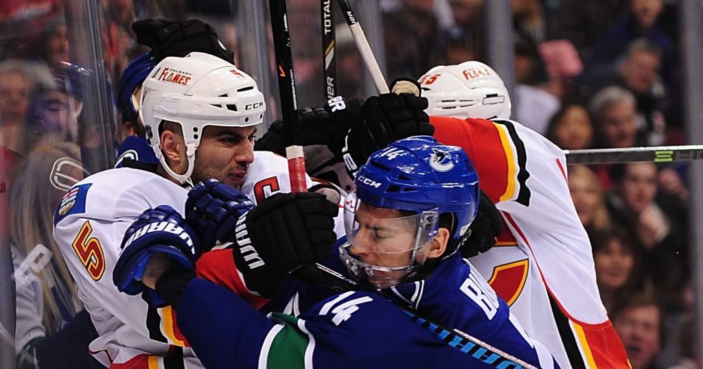 flames-at-canucks-live-in-vr