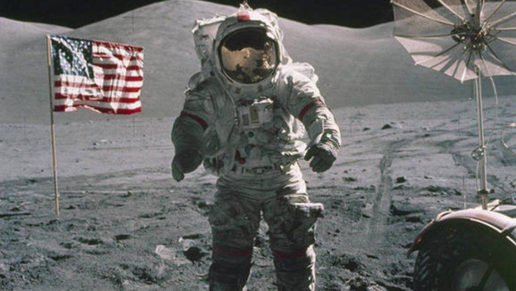 The Apollo Experience - Apollo 17 in VR